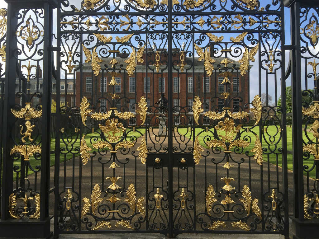 Magic of London - Part 1, Why I love London by Miss F Mixer, kensington palace