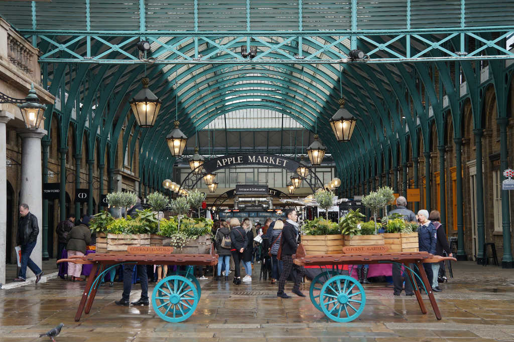 apple market in covent garden-things to do-See London like a local-Magic of London-Part Two-Miss F Mixer