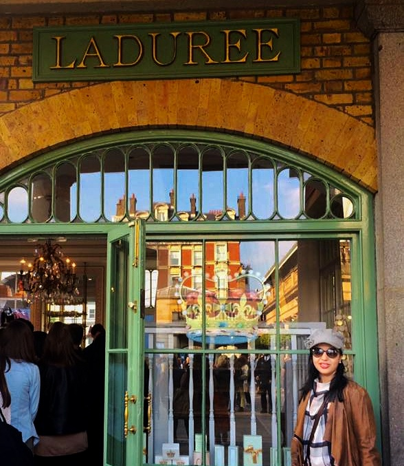 laduree-macarons-store-front-covent-garden-London